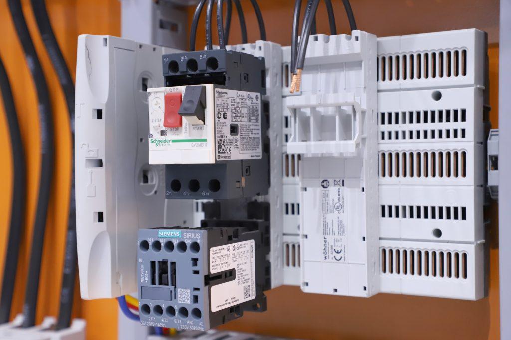 Wöhner CrossBoard® Modular power distribution system